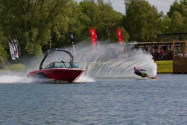 water skiing tallington lakes